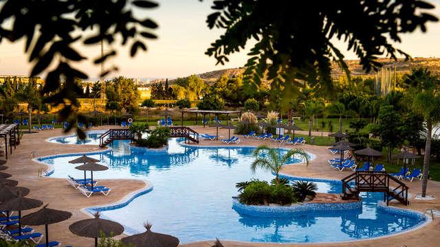 Vacaciones con un niño en media pensión con circuito Spa y mucho más en Alicante