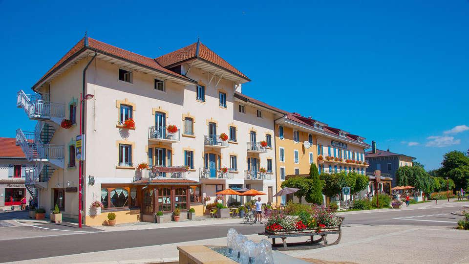 Hôtel Le Lac - EDIT_front2.jpg