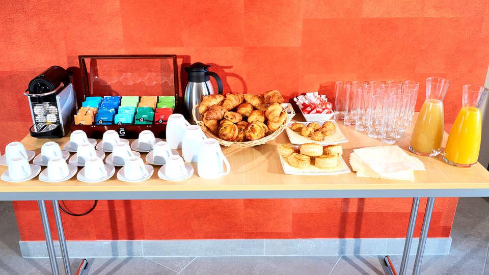 Kyriad Angers Ouest Beaucouzé - Edit_Breakfast2.jpg