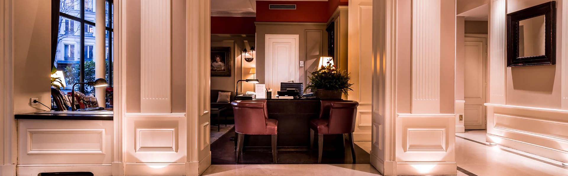 Hôtel Le Lavoisier - Edit_Reception.jpg