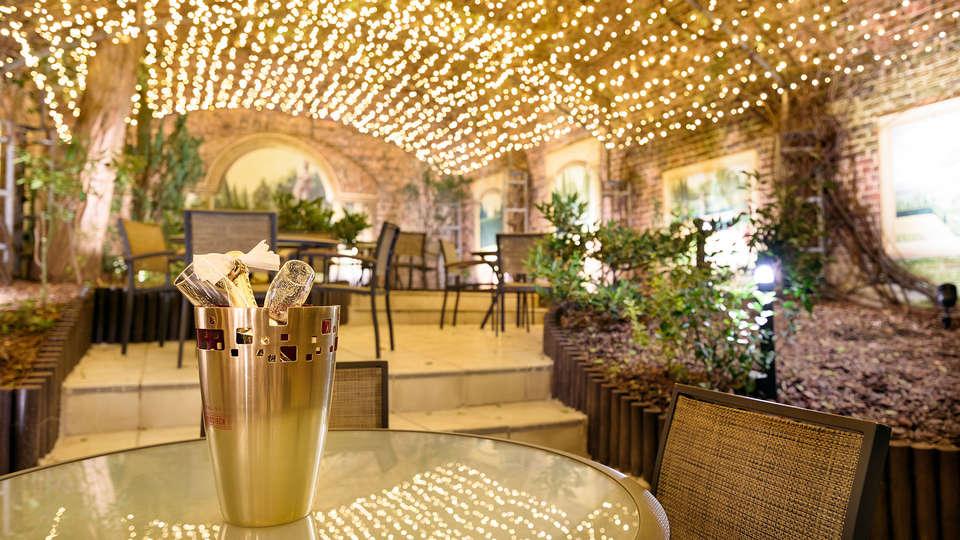 Hôtel Le Châtelain - EDIT_NEW_interior.jpg