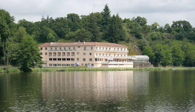 Hotel Le Moulin Neuf - front