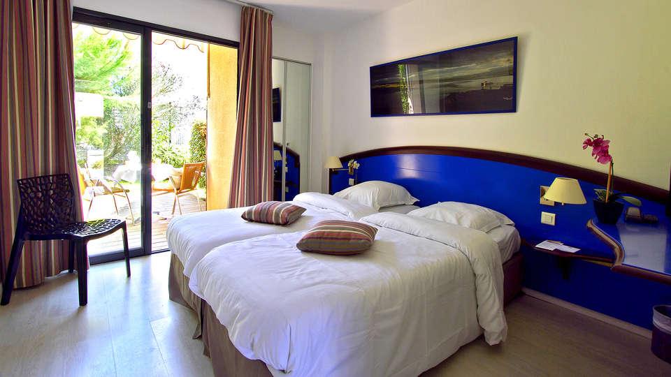 Hotel Le Phoebus Garden & Spa - Edit_Room.jpg