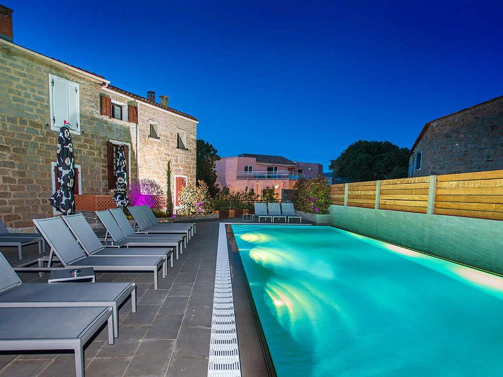 Séjour Corse - Week-end détente en chambre standard à Serra-di-Ferro  - 4*