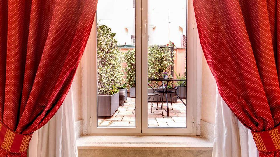 Roman Terrace - Edit_Terrace.jpg