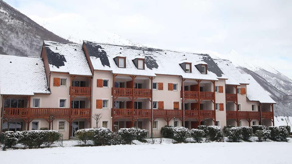 Domaine du Val de Roland - EDIT_NEW_FRONT.jpg