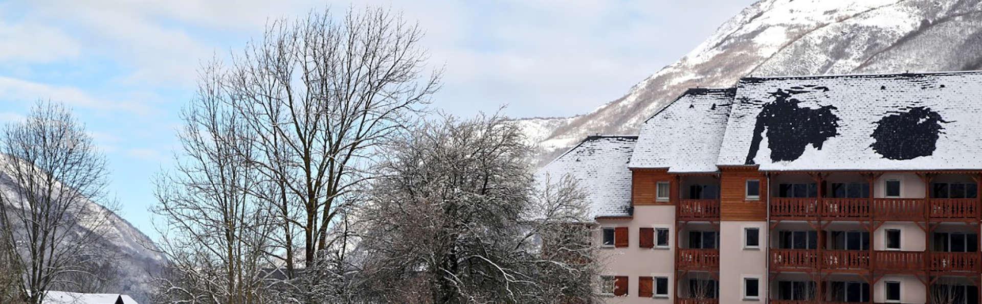 Domaine du Val de Roland - EDIT_NEW_FRONT4.jpg