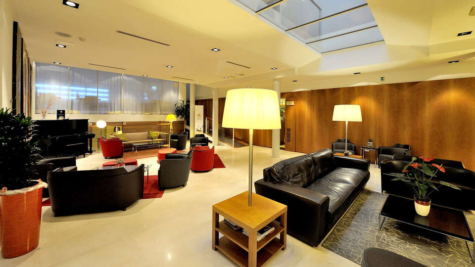 Dal Moro Gallery Hotel - Edit_Lounge2.jpg