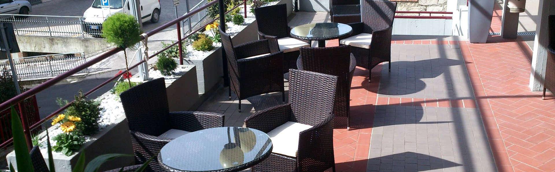 Hotel Santa Caterina - Edit_Terrace.jpg