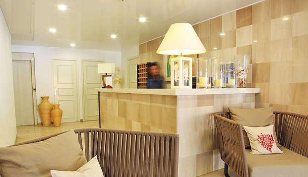 Hotel Le Subrini - Recepcion