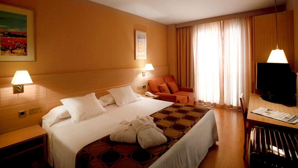 Hotel Class - EDIT_NEW_ROOM2.jpg