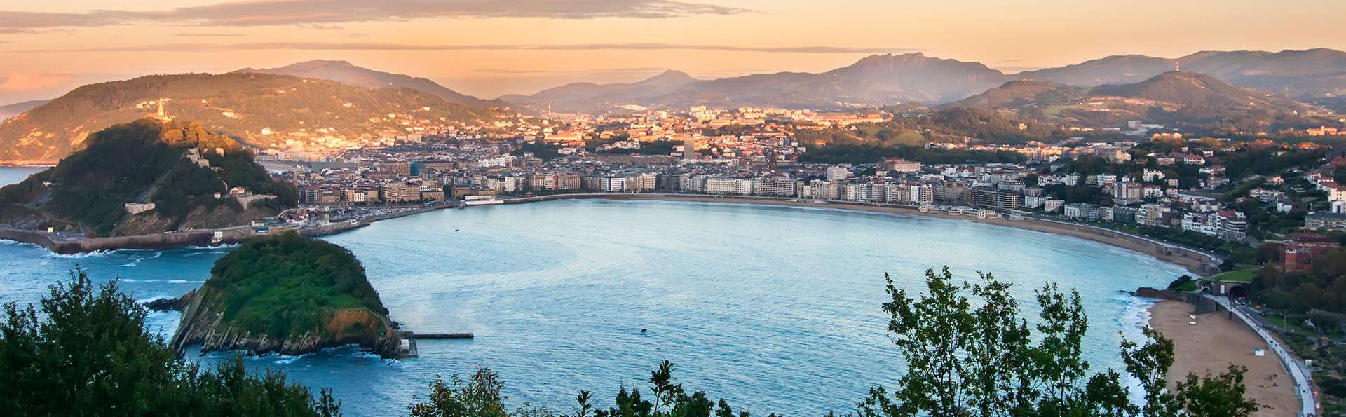 Escapada en San Sebastián en habitación triple con encanto