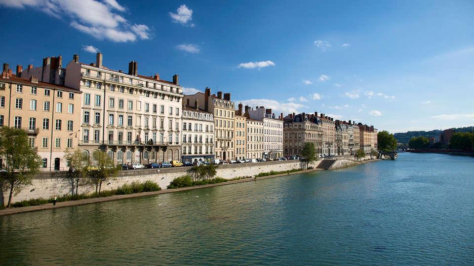 Hôtel Lyon-Ouest - Edit_Front2.jpg