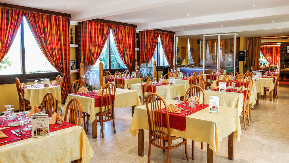 Hôtel Les Mouflons - EDIT_Restaurante_1.jpg