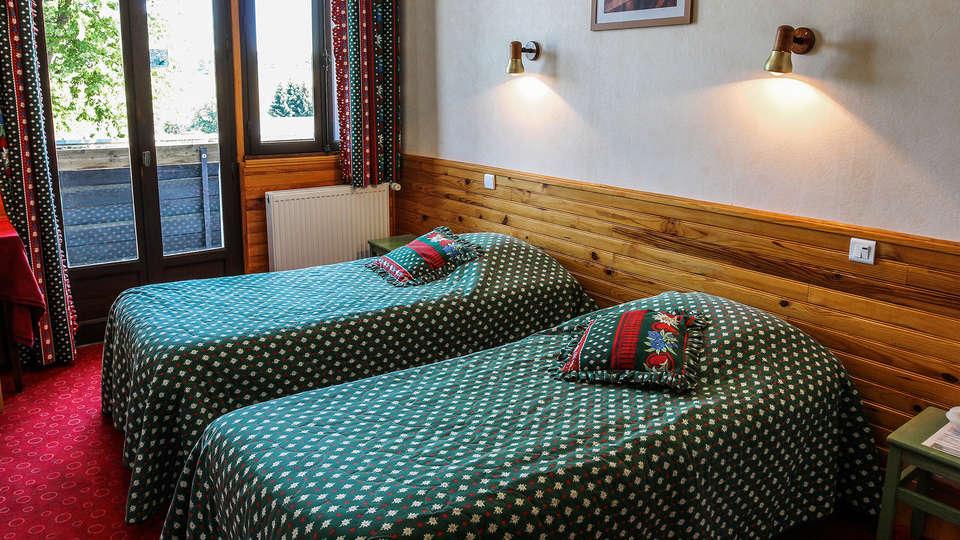 Hôtel Les Mouflons - EDIT_Room_4.jpg