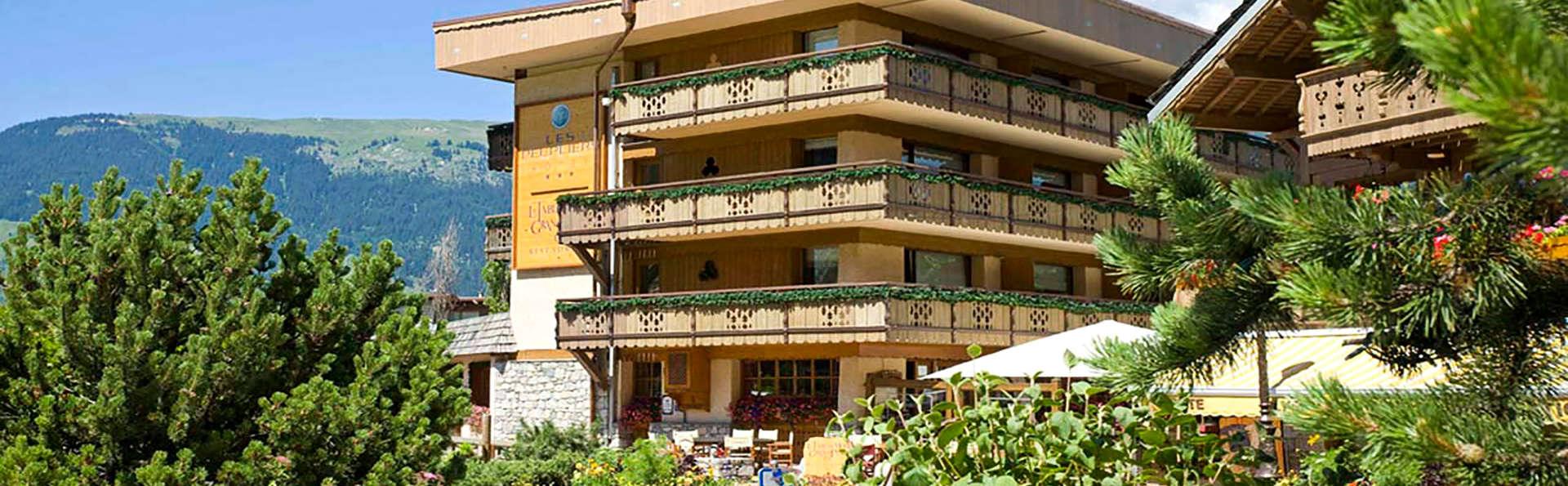 Hôtel Les Peupliers - Courchevel - Edit_Front2.jpg