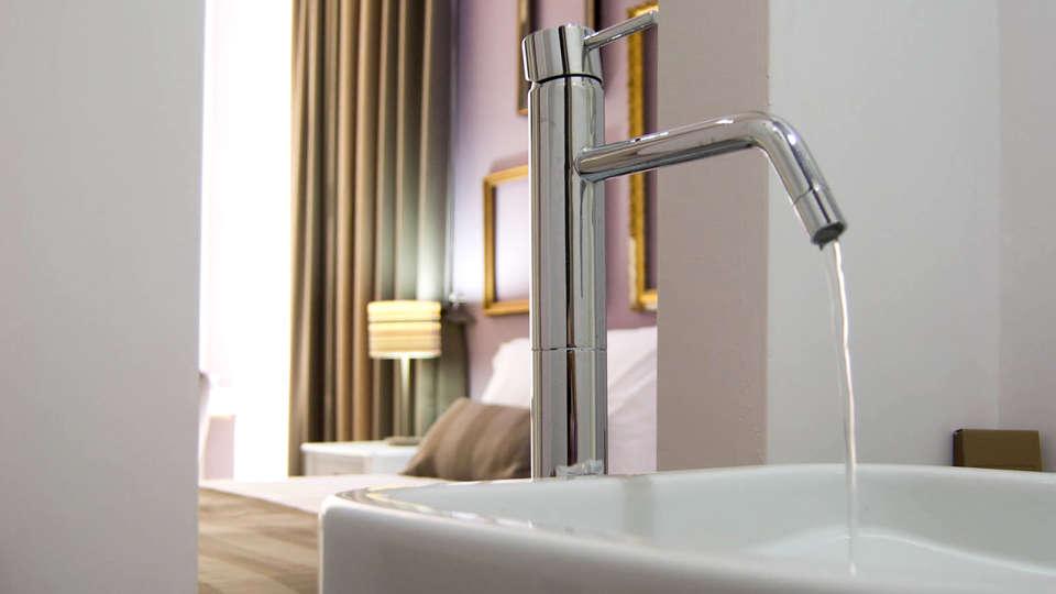 Hotel Santa Brigida - Edit_Bathroom.jpg