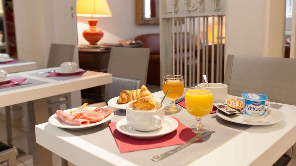 Le Royal Hôtel Grenoble Centre - edit_breakfast.jpg