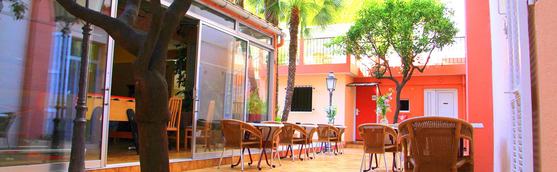 Hôtel Menton Riviera - Edit_Terrace.jpg