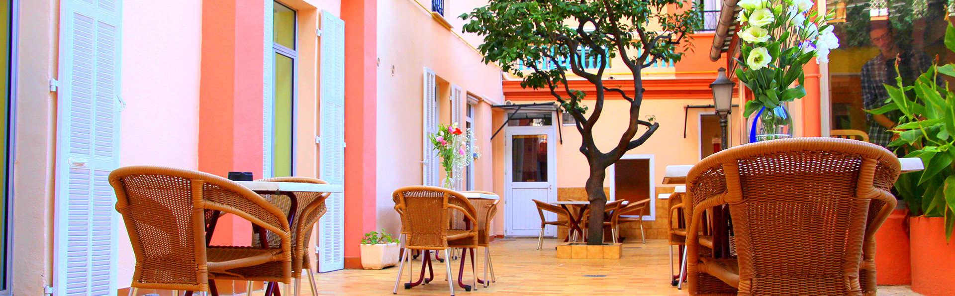 Hôtel Menton Riviera - Edit_Terrace2.jpg