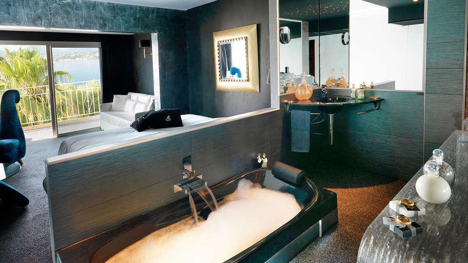 Hôtel Marinca et Spa - EDIT_Bathroom_1.jpg
