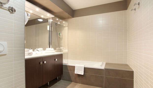 Appart Hotel Odalys Confluence - Bathroom