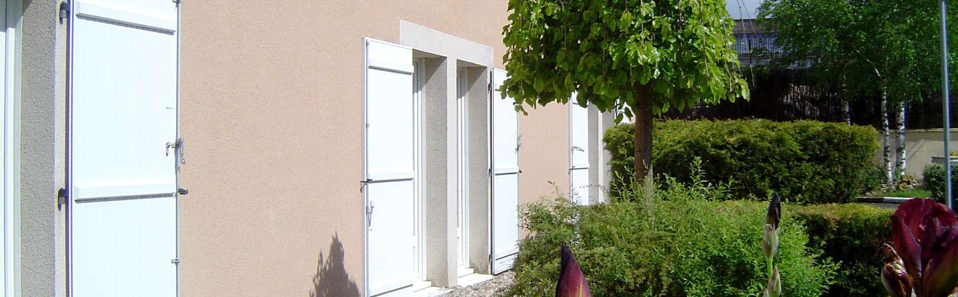Hotel The Originals Châteauroux Sud Amarys (ex Inter-Hotel) - Edit_Garden.jpg