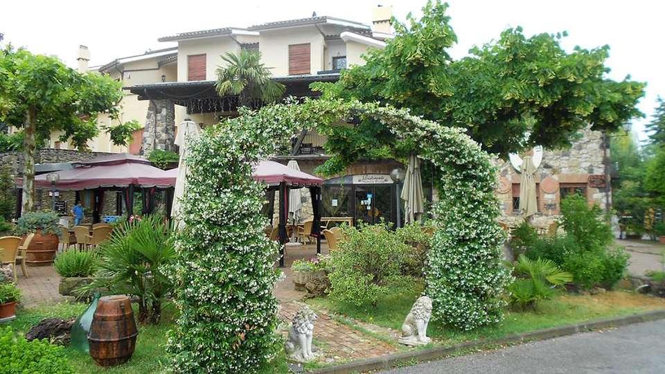 Hotel Rosati - Edit_Front2.jpg