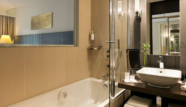 Hotel Barriere Le Gray d Albion Cannes - new bathroom