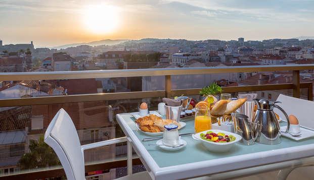 Hotel Barriere Le Gray d Albion Cannes - new breakfast balcony