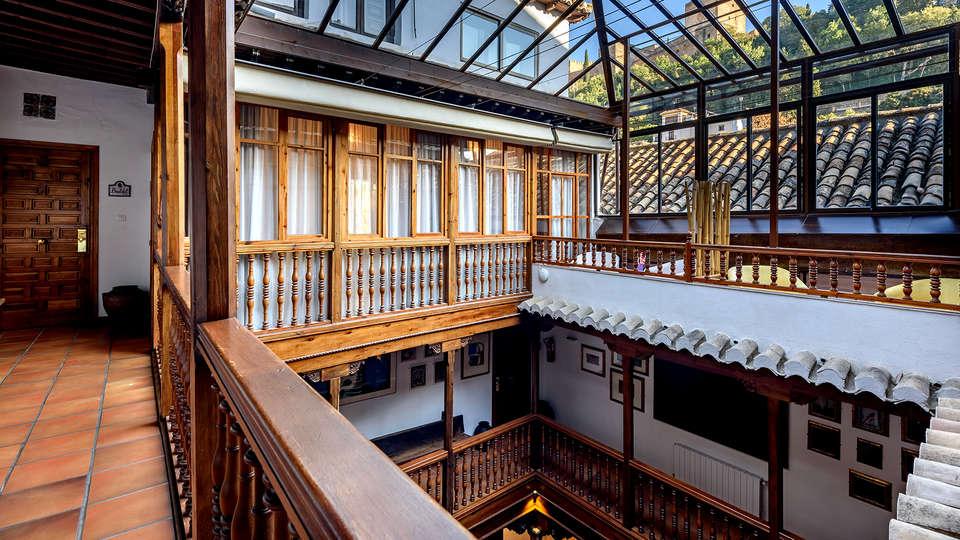Hotel Palacio de Santa Inés  - Edit_Patio.jpg