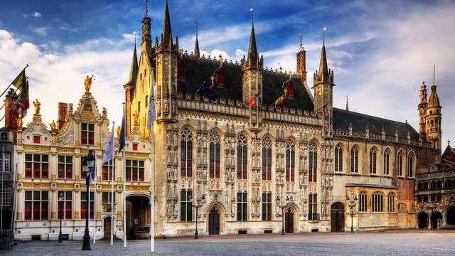 Descubre el centro histórico de Brujas y visita el Museo del Chocolate