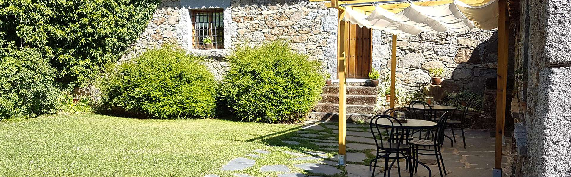 La Trocha De Hoyorredondo - Edit_Garden.jpg