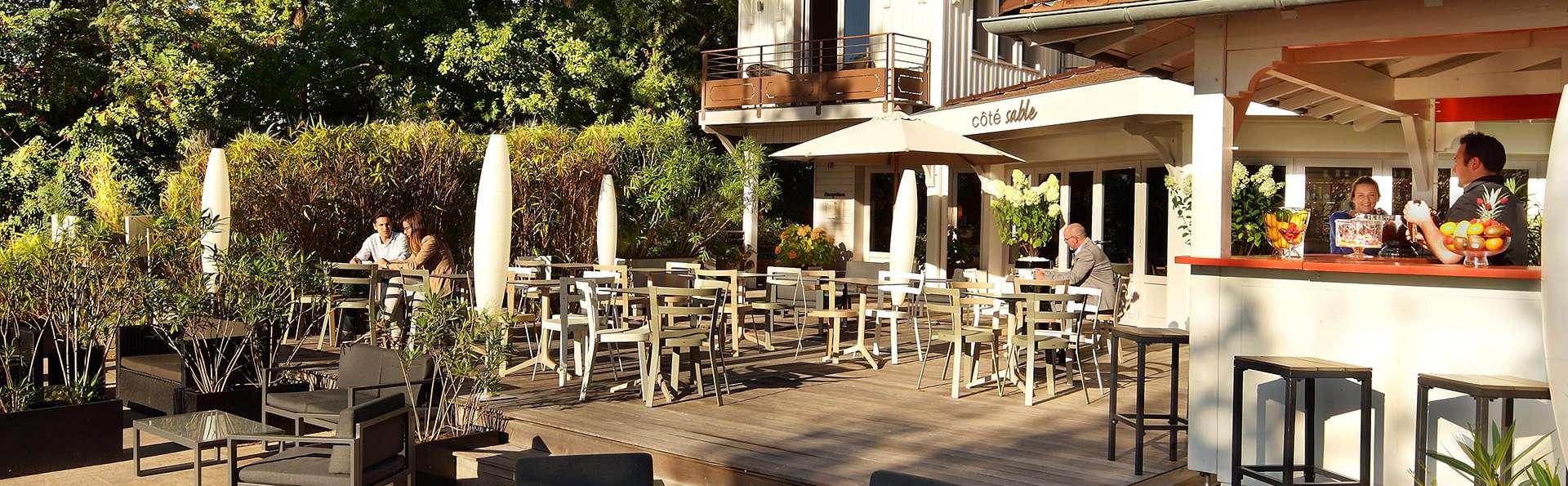 Hôtel Côté Sable - EDIT_NEW_Terrace.jpg