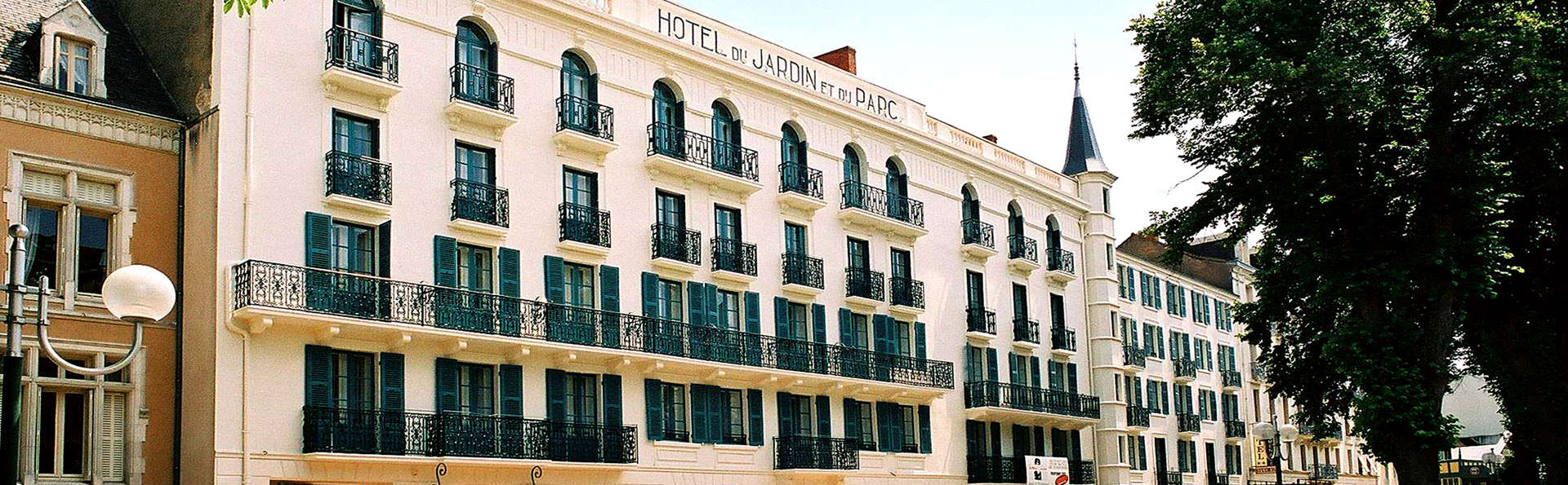 Hôtel Mona Lisa - Néris les bains - Edit_Front.jpg