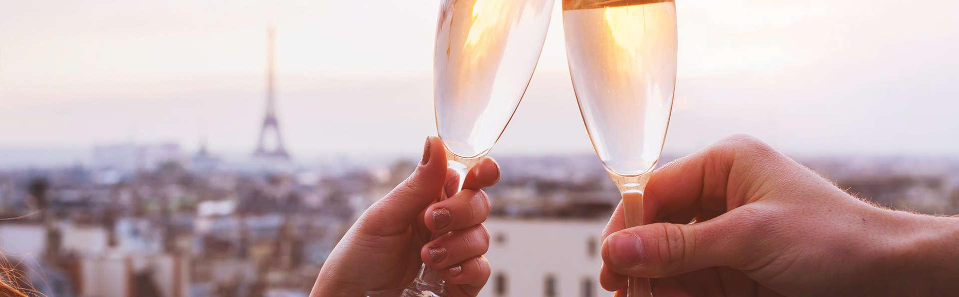 Romantisme avec champagne au pied de l'Arc de Triomphe