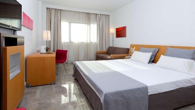 Alójate en un moderno hotel en pleno centro de Murcia