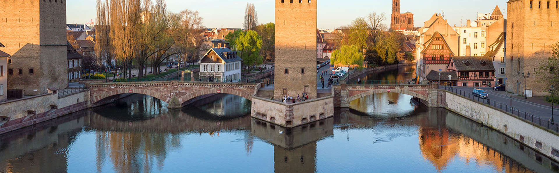 Hôtel de l'Europe Strasbourg by HappyCulture - edit_Strasbourg_Ponts_couverts_au_coucher_du_soleil.jpg