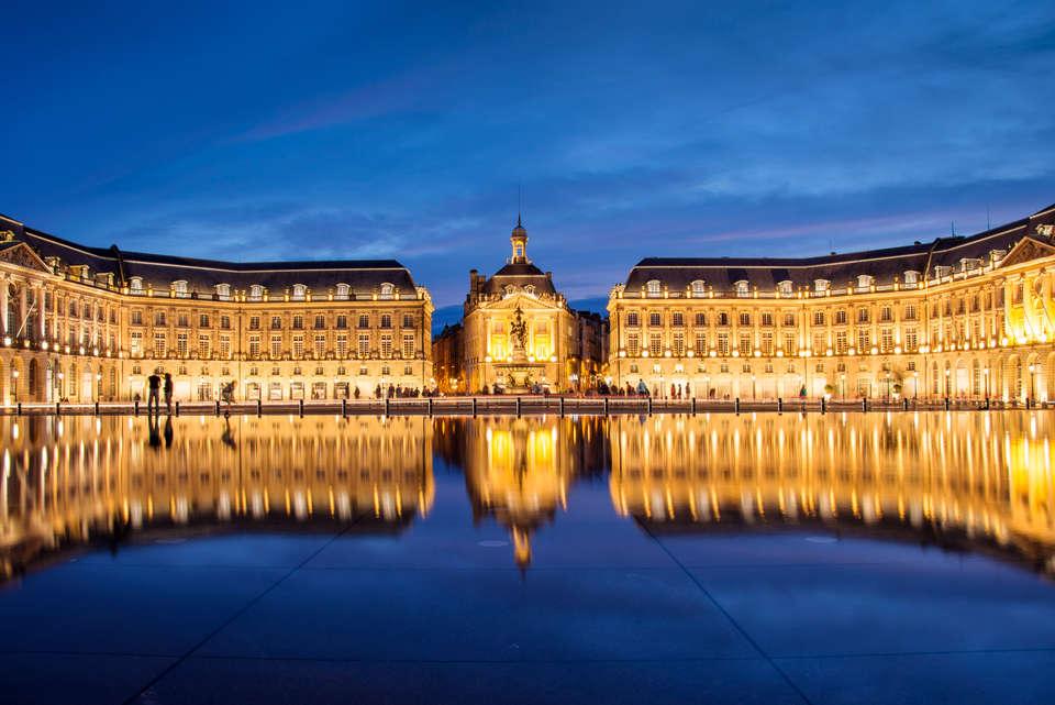 Appart'Hotel Victoria Garden Bordeaux - shutterstock_310774847.jpg