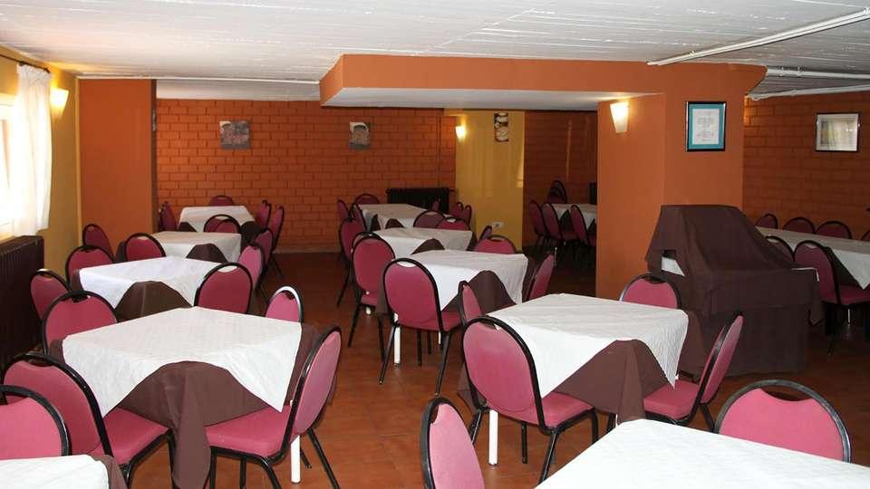 Hostal El Ciervo - Edit_Restaurant.jpg