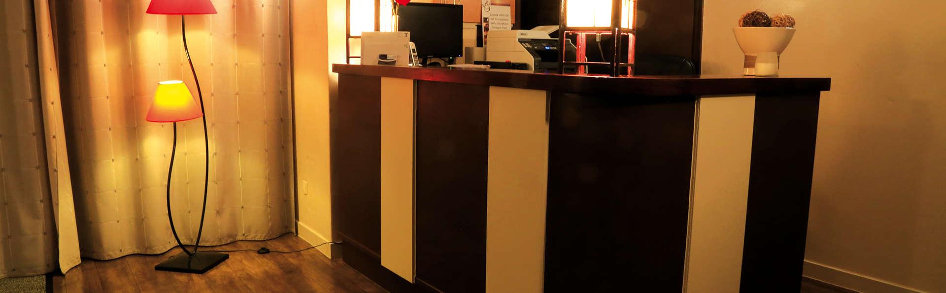 Hôtel Restaurant La Sirene - Edit_Reception.jpg