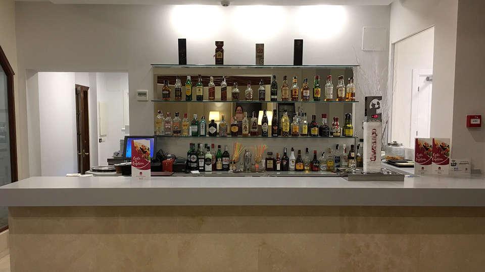 Hotel Alborán Algeciras - EDIT_NEW_Bar.jpg