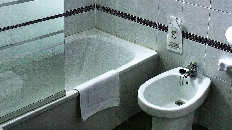 Casa Palacio de Los Leones - Edit_Bathroom.jpg