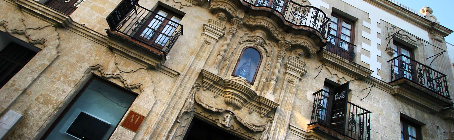 Casa Palacio de Los Leones - Edit_Front.jpg