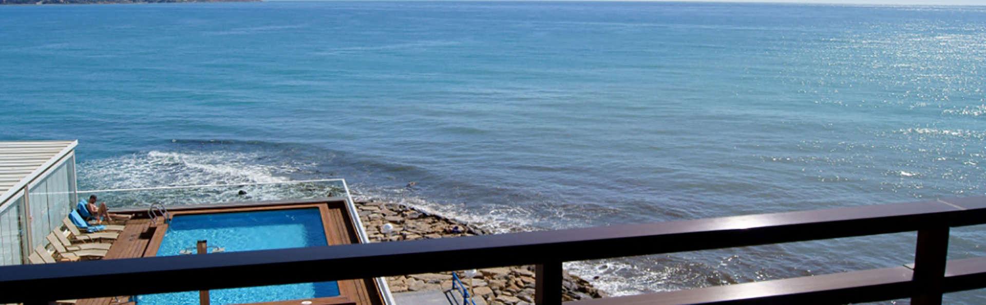 Suites Del Mar - Edit_Beach.jpg