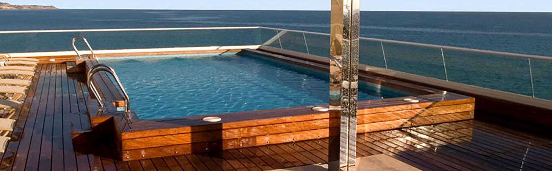 Suites Del Mar - Edit_Pool.jpg