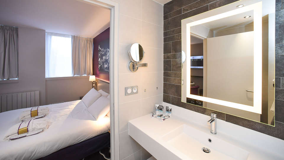 Mercure Saint-Lô - Edit_Bathroom2.jpg
