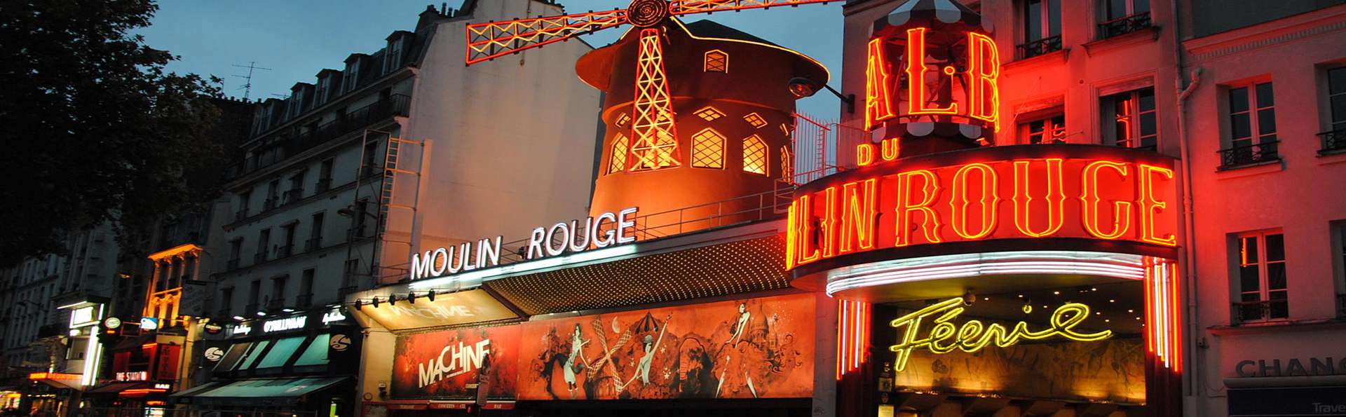 Mob Hotel Paris Les Puces - Edit_MoulinRouge.jpg