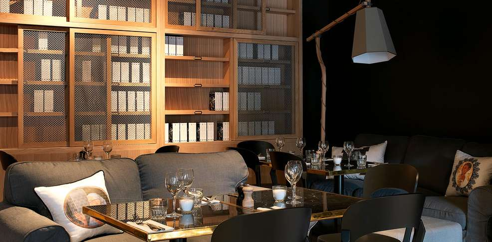 mob hotel paris les puces saint ouen frankrijk. Black Bedroom Furniture Sets. Home Design Ideas