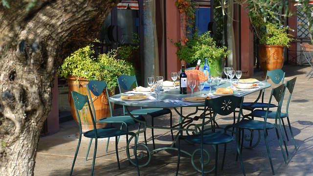 Charme et tranquilité en plein coeur d'un parc boisé à Nîmes